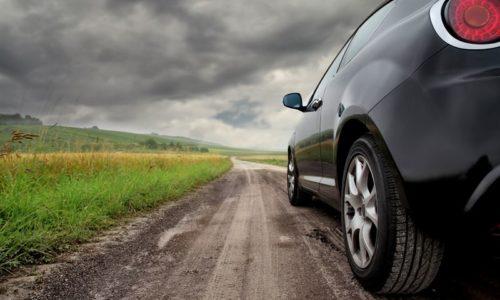 Amortyzator samochodowy gazowy vs olejowy